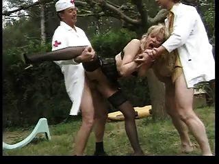 أشقر الفرنسية سيدة مزدوجة الشرج