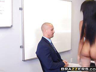 brazzers كبير الثدي في العمل بريتني البيضاء والشون