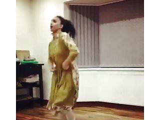 المملكة المتحدة الباكستانية يوني فتاة ترقص غير عارية التقليدية غير عارية