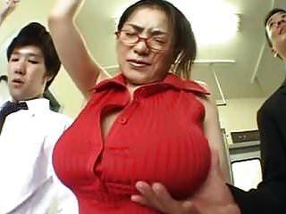 (كبير الثدي) anna ohura train grope.mpg