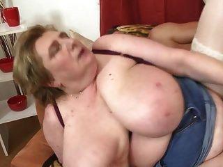 المحرمات الجنس مع الأم الناضجة مفلس السوبر