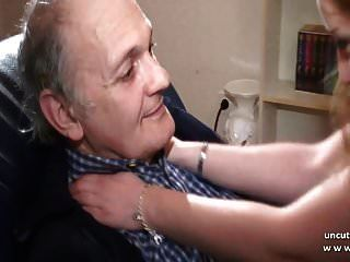 الهواة الفرنسية الشباب شقراء مارس الجنس من قبل رجل عجوز المنحرف