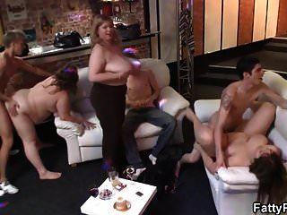 مرحبا بكم في حزب كبير الثدي bbw تحول جنسى!