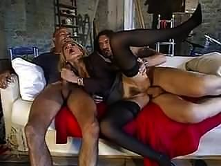 تحصل مارس الجنس الايطالية ناضجة في الحمار من قبل men.mp الديك الكبير