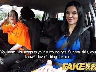 jailbird وهمية لتعليم قيادة السيارات مع كبير الثدي يأكل حلق كس