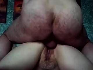 يمارس الجنس مع زوجته في الحمار