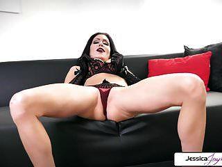 جيسيكا جايمس تبين لها ضيق الحمار ، كبير الثدي وجمل الرطب