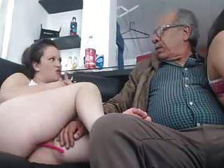 قريبا الجنس مع فتاة 2 رجل 75 سنة