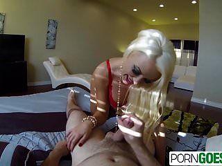 porngoespro غنيمة كبيرة الصيف بريل يمارس الجنس مع ديك كبيرة في بوف