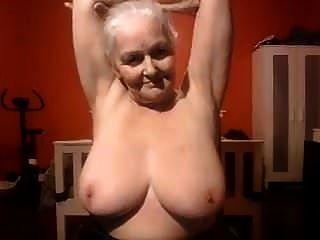 الجدة كنت أحب أن يمارس الجنس