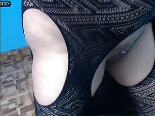 حليبي الثدي رش الحليب في وجهها