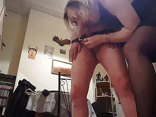 ليزا ballbusting عبدها