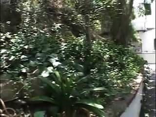 المعلم السابق جبهة مورو يحصل مارس الجنس في الحديقة