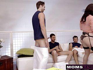 الغش جبهة مورو الملاعين ابن وأصدقائه عندما hubbys بعيدا!