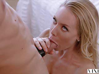 امرأة مشاكسة نيكول أنيستون مفاجآت صديقها مع الجنس الساخن