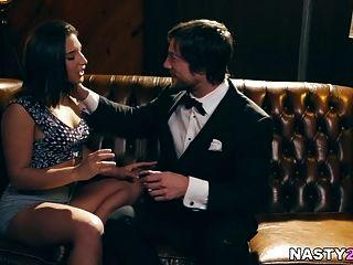 ممثل مزيف يمارس الجنس مع الجحيم من خطر أبيلا