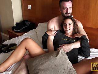 لطيفة في سن المراهقة amirah adara تتمتع الجنس الخام مع رجل أكبر سنا