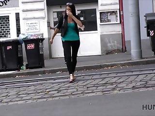 hunt4k. براغ هي عاصمة السياحة الجنسية!