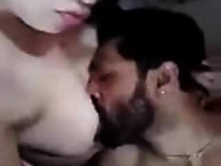 الغش زوجة عربية قد أكل لها الثدي
