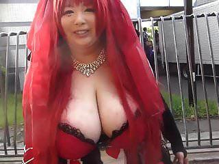 فتاة يابانية ضخمة الثدي (جزء 1)