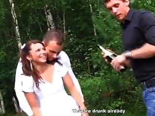 مشاركة العروس الروسية مع أفضل الأصدقاء (lupe burnett)