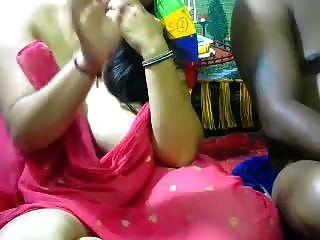 عشاق زوجة مفلس الهندي مارس الجنس زوجها على كام