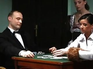 فقد زوجته في لعبة البوكر