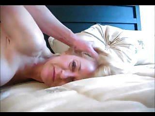 الجدة شقراء جميلة ممارسة الجنس الشرجي