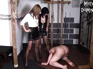 مختلط التعذيب مدام أنيتا و سيدتي كاراميل يلهون