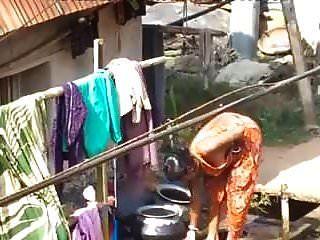 قرية بحبي الاستحمام في الهواء الطلق