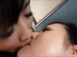 اللسان قذرة تقبيل الفتيات الآسيوية