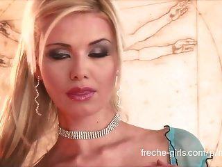مارينا الساخنة فتاة الشريط الألمانية
