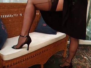 سيدة لوسي فستان كوكتيل أسود ث garterbelt وجوارب
