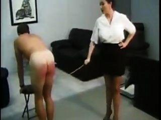 السيدات الضرب بالعصا