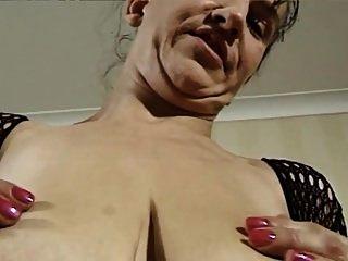 امرأة ناضجة الألمانية وكبير الثدي