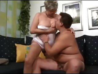 الجدة الألمانية الملاعين شاب صبي غريب