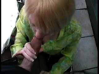 جبهة مورو الألمانية الساخنة مارس الجنس في بلدها الحمار