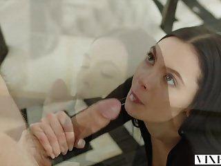 امرأة مشاكسة مارلي brinx غش مع رئيس الديك ضخمة