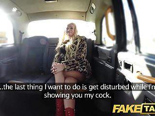 تاكسي وهمية شقراء مثير قنبلة لا المقعد الخلفي الجنس الشرجي