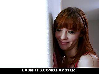 badmilfs صورة عاهرة أمي الملاعين ربيبة وصديقها