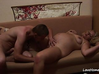 مثير الفرخ شقراء الحوامل يتم تصويره أثناء pleasuring.mp4