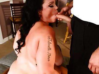 BBW صورة عاهرة الحصول مارس الجنس من قبل اثنين من اللاعبين