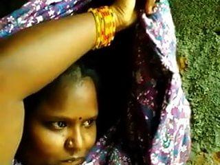 جنوب فتاة التاميل الهندية يظهر المعتوه صورة شخصية للفرنك بلجيكي