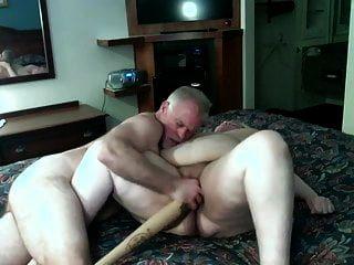 bbw الهواة ناضجة يحصل مارس الجنس مع مضرب بيسبول