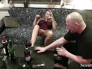 الجيران إغواء جبهة مورو الألمانية ليمارس الجنس مع تذوق النبيذ