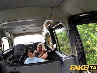 تاكسي وهمية ناقتي يجعل لاول مرة في تاكسي لندن
