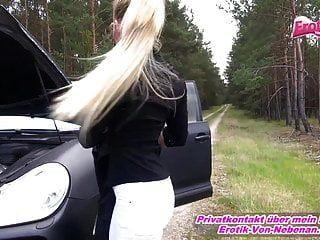 استغلال في حادث سيارة الكلبة الألمانية يجب أن يمارس الجنس في الهواء الطلق