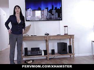 Pervmom أقرن STEPMOM يلتهم stepons الديك