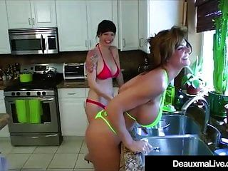 تكساس كوغار deauxma يأكل أنجي نوير كس في المطبخ!