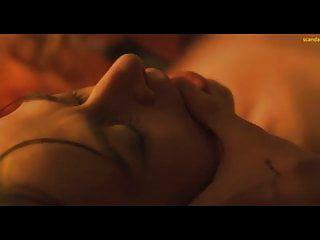كيت ديكي عن طريق الفم مشهد الجنس في الطريق الأحمر scandalplanet.com